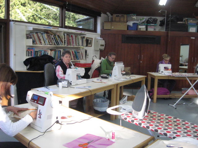 Denman Summer School: Free Machine Embroidery for Beginners - 4 Night : Claire Muir