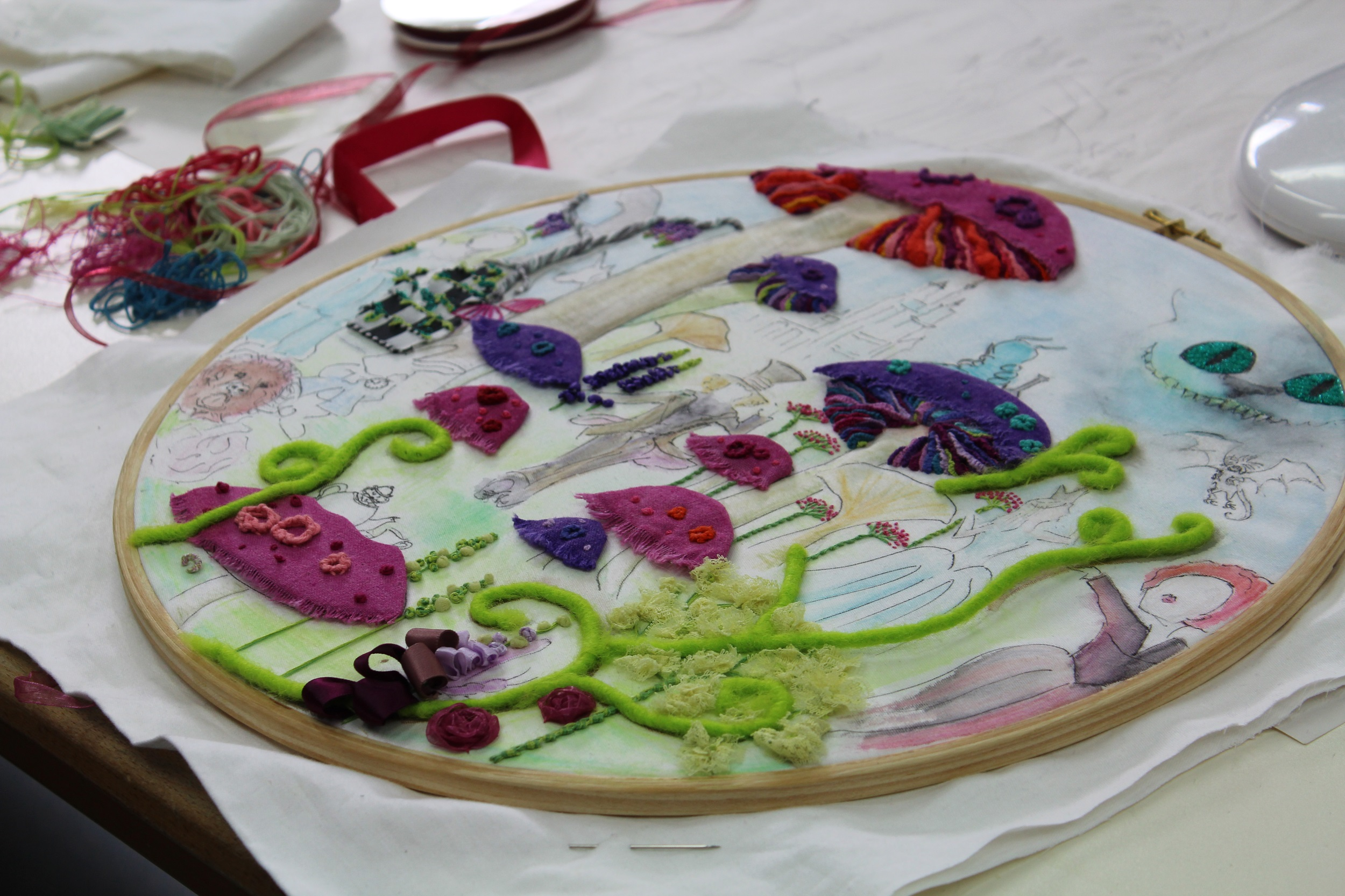 Hand Embroidery: A Magical Forest : Pat Trott
