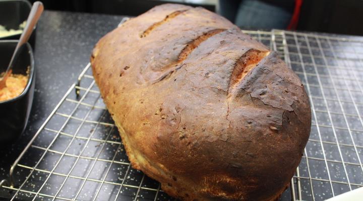 Brilliant Bread for Beginners : Linda Hewett
