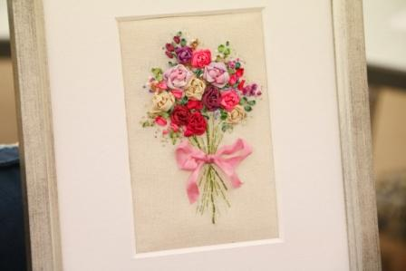Ribbon Embroidery: A Rose Bouquet : Marilyn Pipe