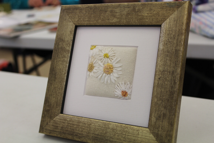 Ribbon Embroidery: Daisies and Delphiniuums : Marilyn Pipe