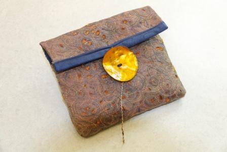 Textiles: A Hot Little Bag : Marilyn Pipe