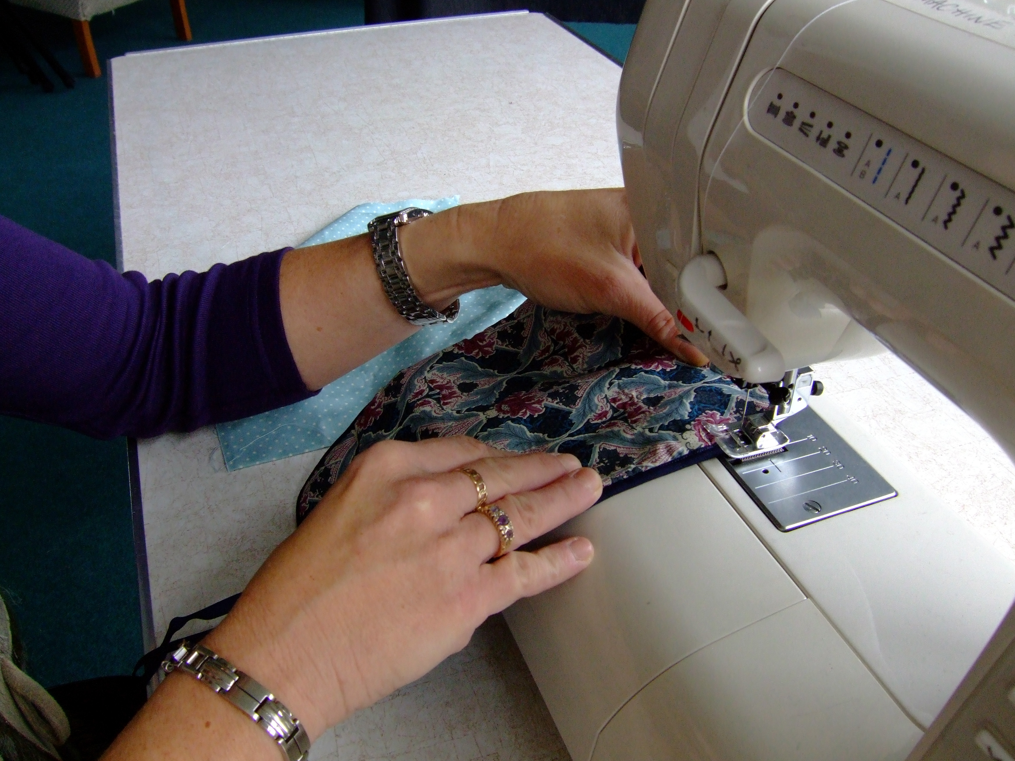 Sewing: Learn to Use a Sewing Machine Part 1 : Natalie Green
