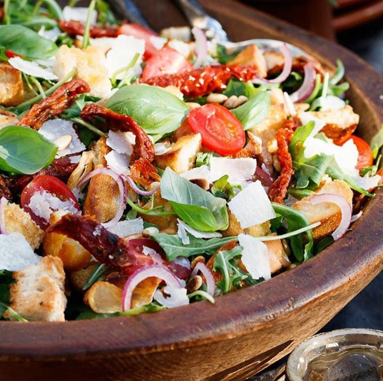 Gourmet Salads : Ashley Keen