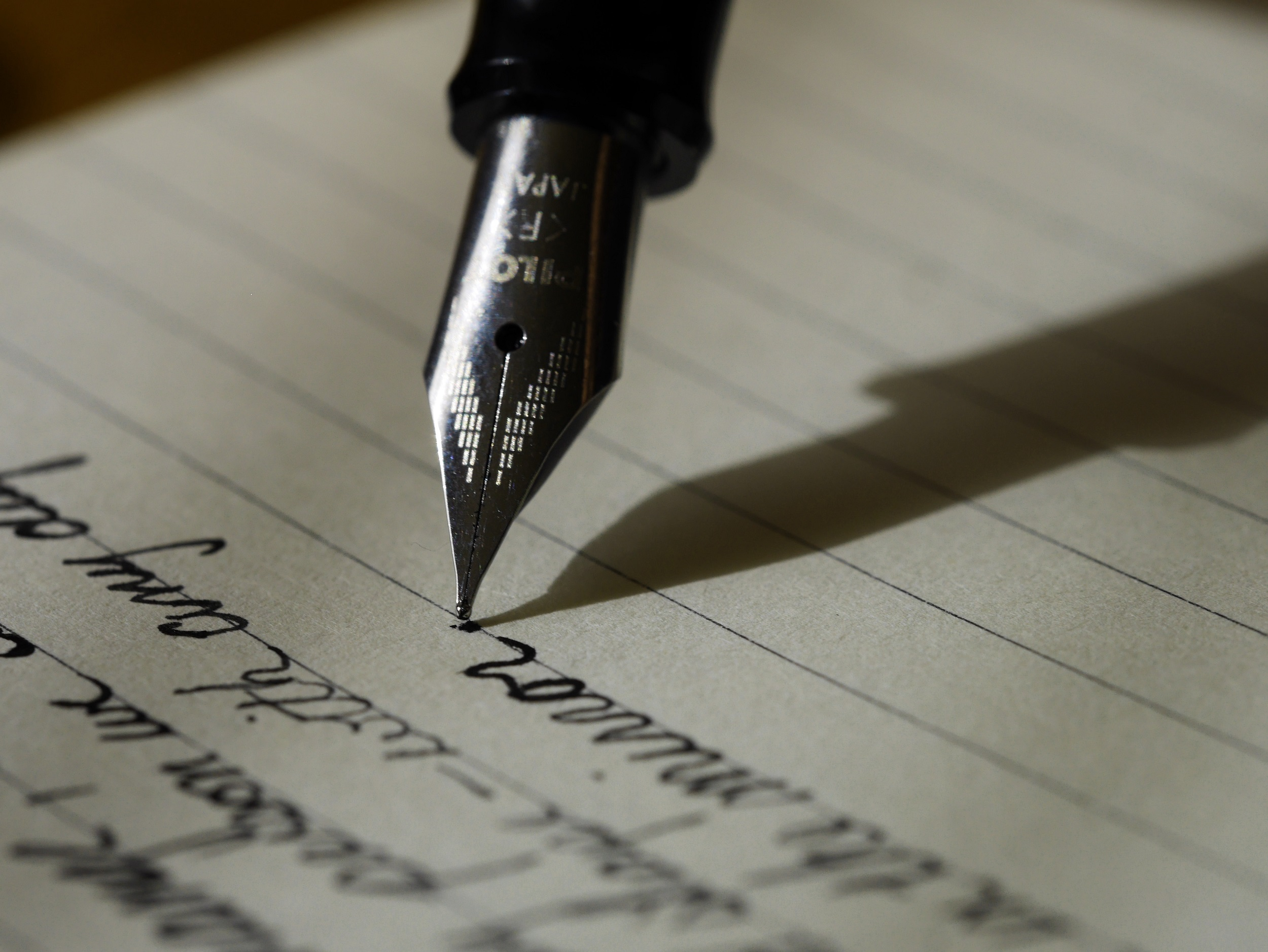 Creative Writing: Let's Start Writing Sketches : Chrissie Hall